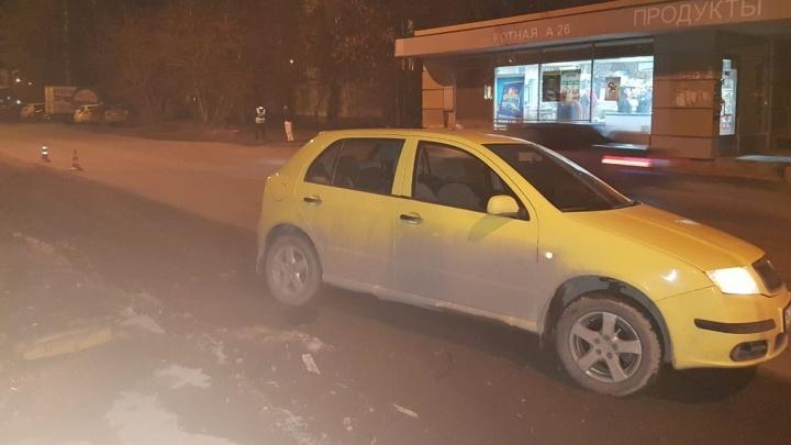 """В Екатеринбурге иномарка сбила мужчину, который перебегал дорогу в 20 метрах от """"зебры"""""""