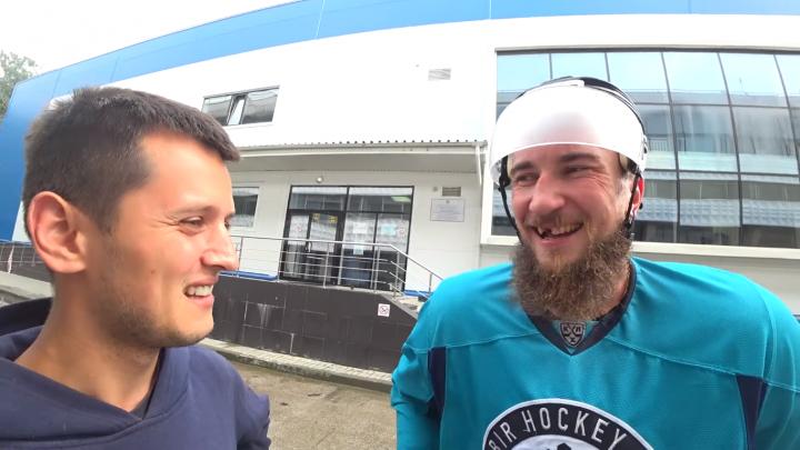 «Хотел компьютер, как у друзей»: хоккеисты «Сибири» рассказали о своих детских мечтах