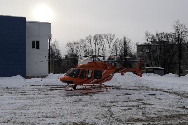 Пострадавшую доставили в Екатеринбург на вертолете