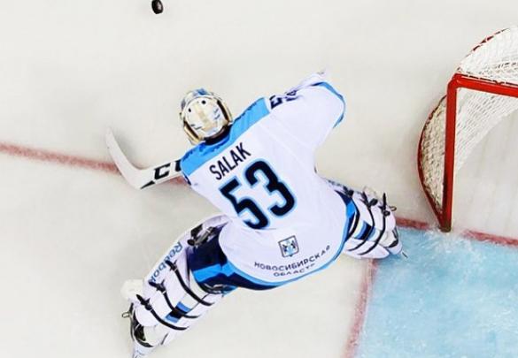 Cтрасти разгораются: хоккейная «Лада» опротестовала спорные решения судей в матче с «Сибирью»