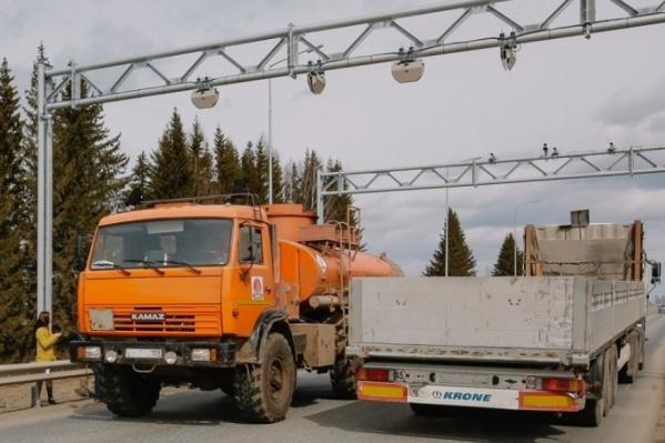 Ограничение для большегрузов будет действовать до конца лета