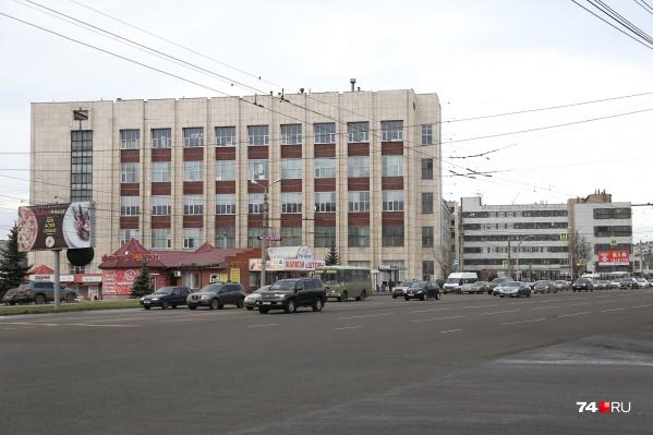 Завод «Прибор» расположен на Комсомольском проспекте и работает с 1951 года