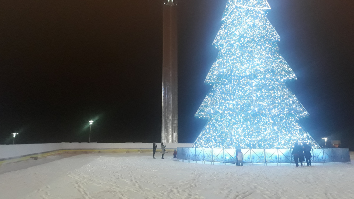 В Самаре на площади Славы зальют каток