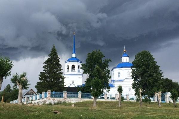 Священник Владимир Лобанов служил в храме Похвалы Пресвятой Богородицы в Усольском районе
