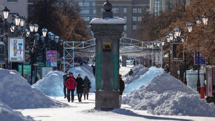 «Да это же горнолыжный кластер»: челябинская Кировка утонула в сугробах