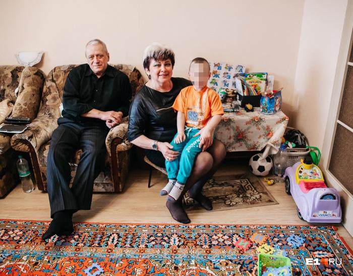 Маленький Илюша уже полтора года живет у родителей своего приемного отца