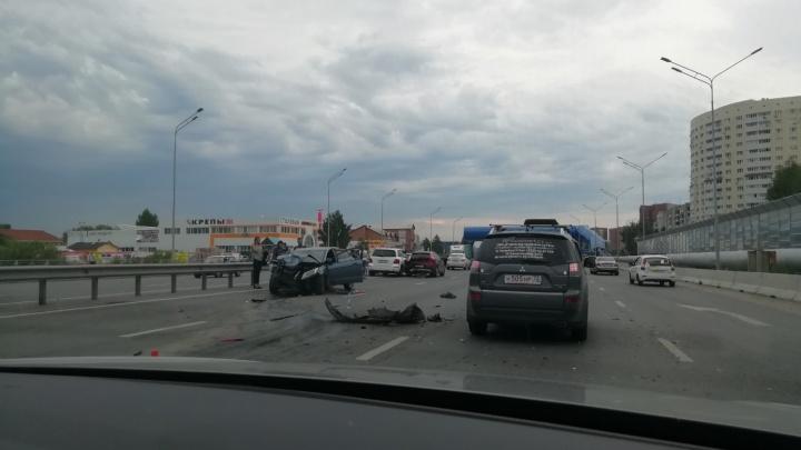 ДТП с тремя иномарками на тюменской объездной спровоцировало большую пробку