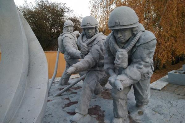 Так выглядит памятник ликвидаторам катастрофы в самом Чернобыле