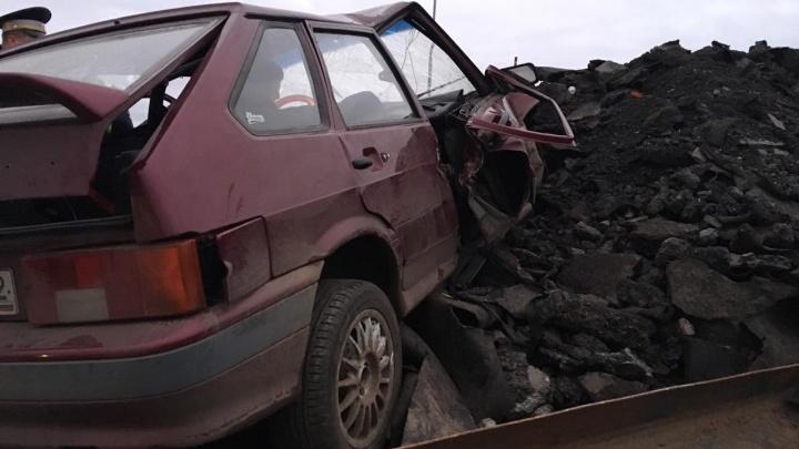 Смертельная авария в Уфе: «четырнадцатая» влетела в груду асфальта