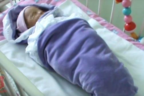 Детям от рождения до шести месяцев положено около двух килограммов в месяц