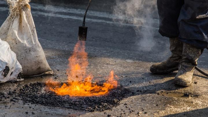 «Везде вижу растущие ямы»: Андрей Травников попросил начать ремонт на новосибирских дорогах