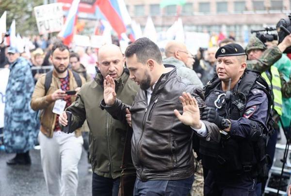 Челябинца, задержанного на митинге в Москве, обвинили в незаконной организации публичной акции