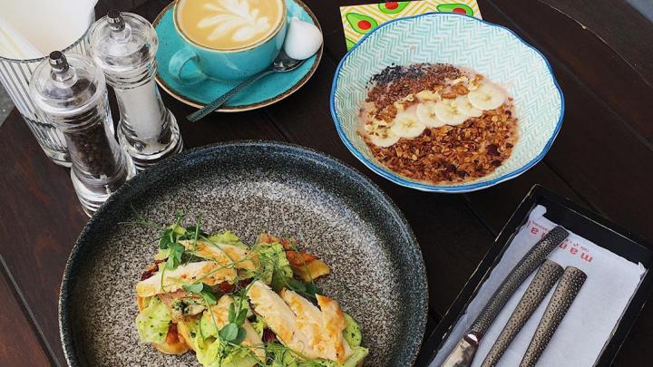 Пробуем кашу с манговым майонезом и вафли с лососем: 10 меств Екатеринбурге со вкусными завтраками