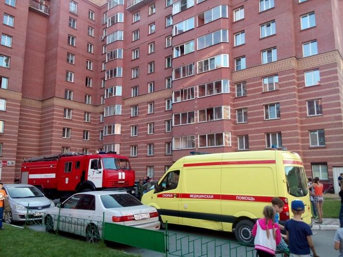 Соседи почуяли запах дыма и вызвали пожарных