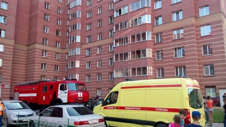 Сибирячка оставила плиту включенной и ушла из дома: спасатели взламывали двери