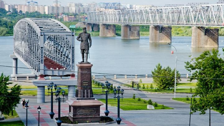 Катер с пассажирами перевернулся возле Михайловской набережной