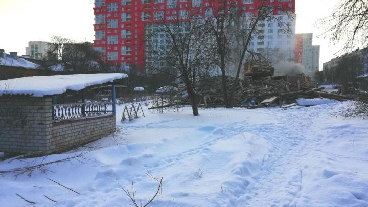 Пустили под снос: в центре Уфы аварийный детский сад сровняли с землей