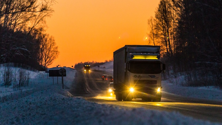 «Покрытие изношено, имеет много неровностей»: в участок трассы под Новосибирском вложат 700 миллионов