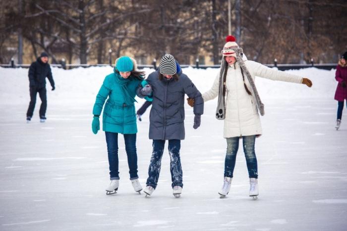Каток в Нарымском сквере откроют в конце декабря