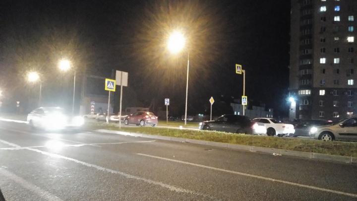 Не заметили в темноте: в Самарской области водитель «Жука» сбила маму с грудным ребёнком