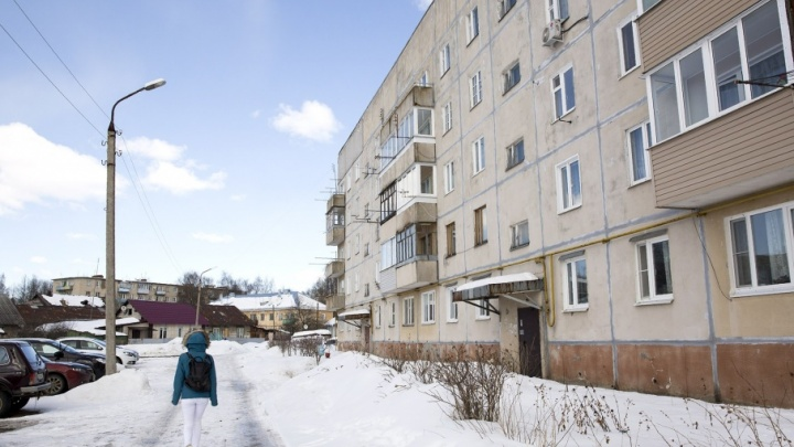 Убили посреди улицы, а никто не увидел: жильцы дома не заметили смерти соседа