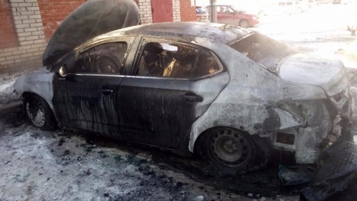 В Башкирии дотла сгорел Citroen: пострадал водитель
