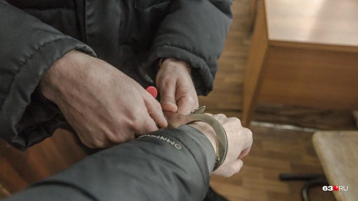 В Самаре при получении взятки задержали сына замначальника регионального УФСИН