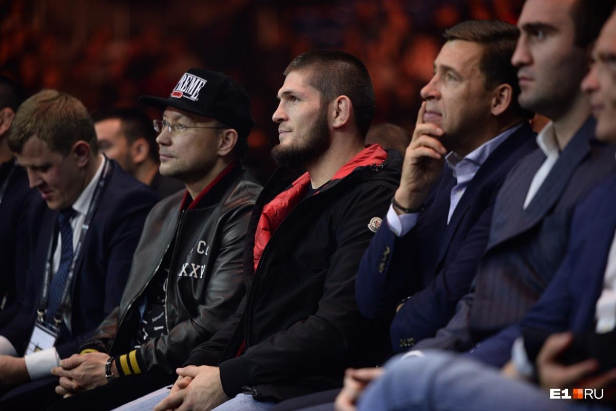Хабиб и Евгений Куйвашев стали почётными гостями на четвертьфинале боксёрской суперсерии