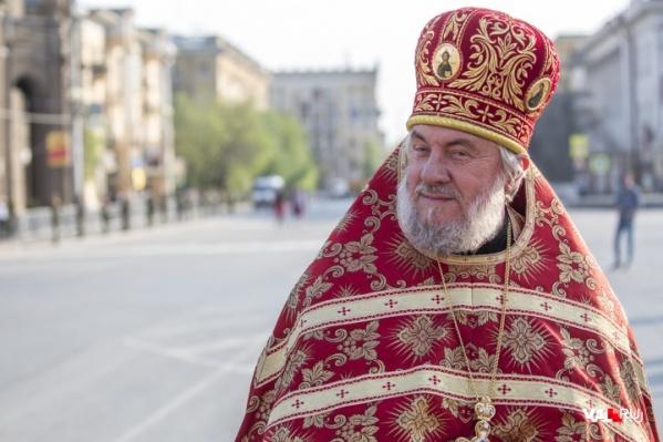 Отец Вячеслав всегда в прекрасном настроении