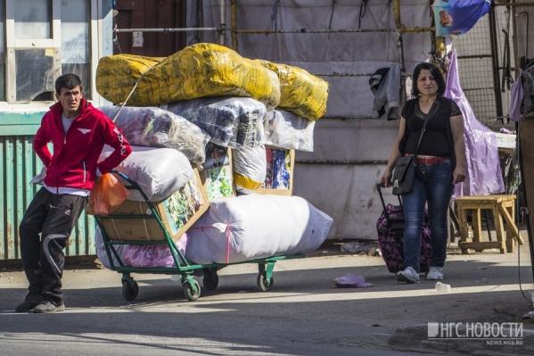 Осуждённые прописывали мигрантов в Ленинском районе