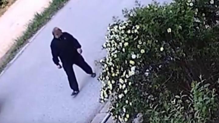Зажал рукой рот и потребовал деньги: в Перми разыскивают мужчину, который напал с ножом на студентку