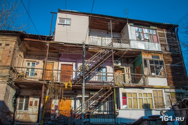 Варламов сетует, что в скором времени «одесские» дворики вовсе исчезнут с ростовских улиц