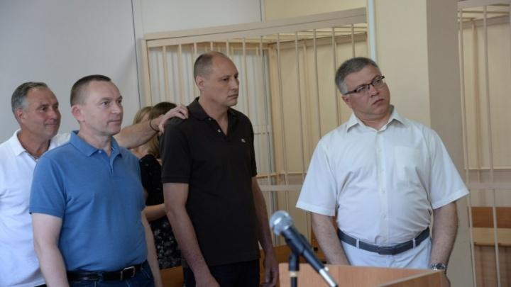 На двух депутатов и одного зама меньше: челябинские думцы забрали мандаты у коллег