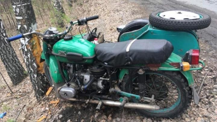 В Кетовском районе мотоциклист погиб, врезавшись в дерево