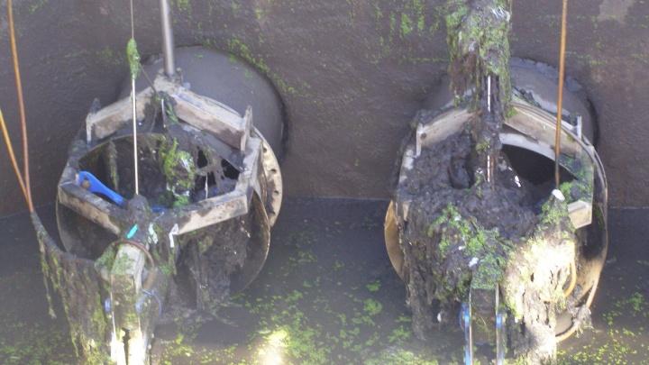 Самарцы забили канализацию влажными салфетками, тряпками и презервативами