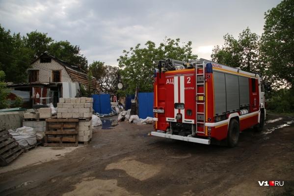 Пожарные и МЧС организовали дежурство