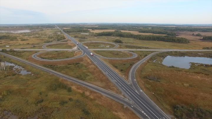 Видео: дорожники отремонтировали 46 километров трассы Новосибирск — Омск