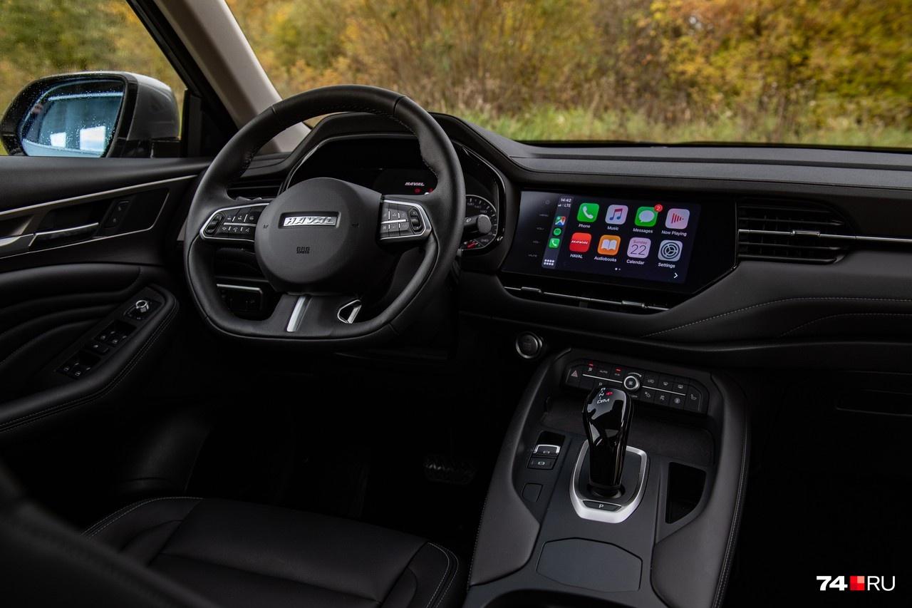 На тесте были машины в топовом исполнении Premium, но и базовая версия Comfort отнюдь не бедная