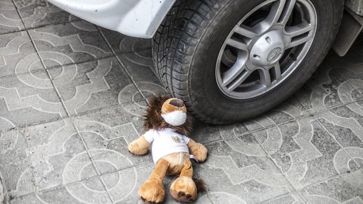Лопнула шина: на трассе по пути в Новосибирск перевернулся микроавтобус с пассажирами