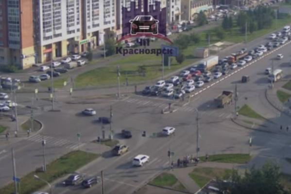 ДТП произошло на перекрёстке 9 Мая и Водопьянова