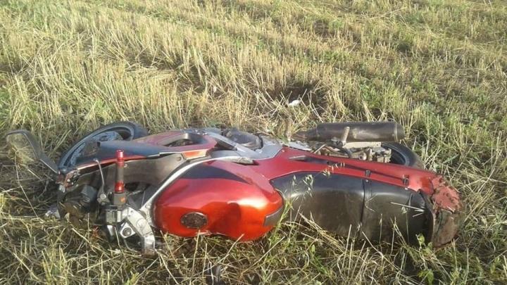 В Башкирии мотоциклист не вписался в поворот и врезался в бетонный столб