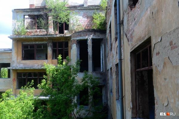 Больница в Зеленой Роще — памятник архитектуры, который заброшен много лет