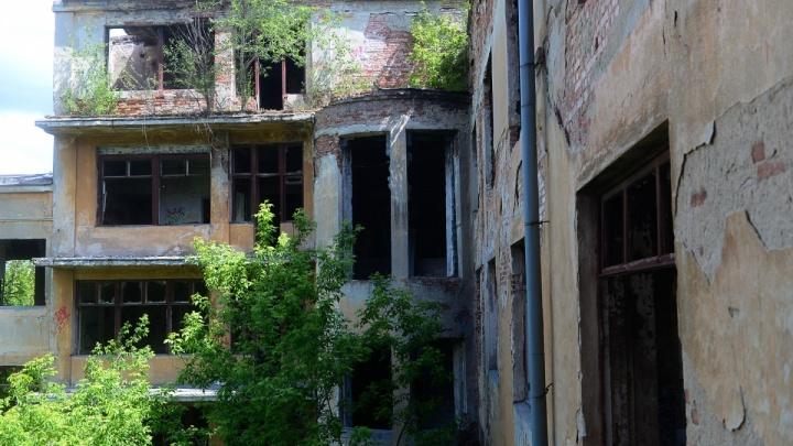Заброшенную больницу в Зеленой Роще полностью восстановят к 2023 году