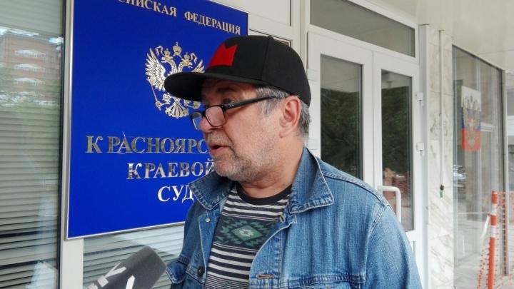 Телеведущий получил 35 часов обязательных работ после митинга Навального и добился отмены наказания
