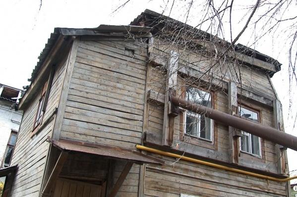 Некоторые дома, попавшие под проект «Пять кварталов», вот-вот рухнут