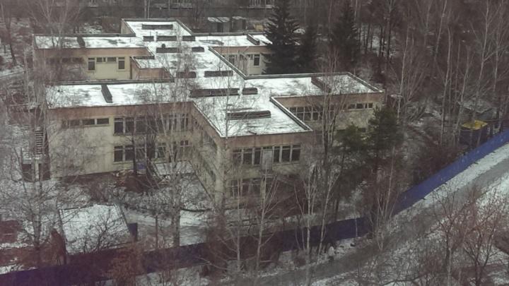 Минстрой отменил строительство 25-этажек вместо огромного детсада на Ясной