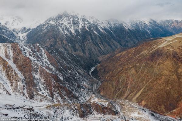 Перевал Тоо-Ашуу, верхняя точка которого выше 3000 м
