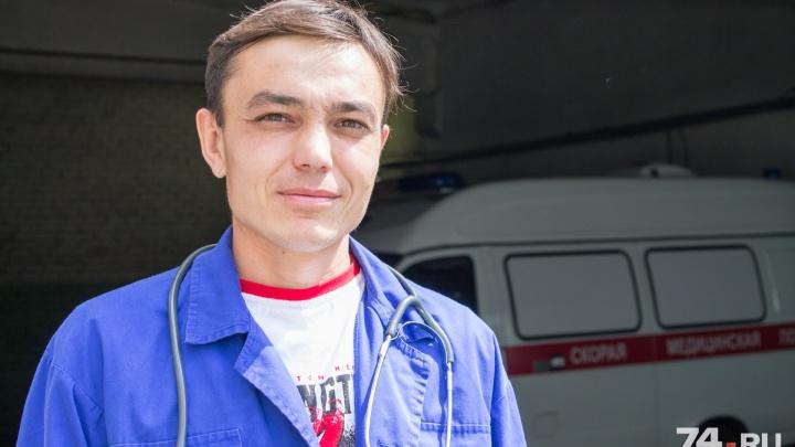 «Эмоции — потом»: челябинский фельдшер рассказал, как спасал пострадавшего в ДТП с грузовиком