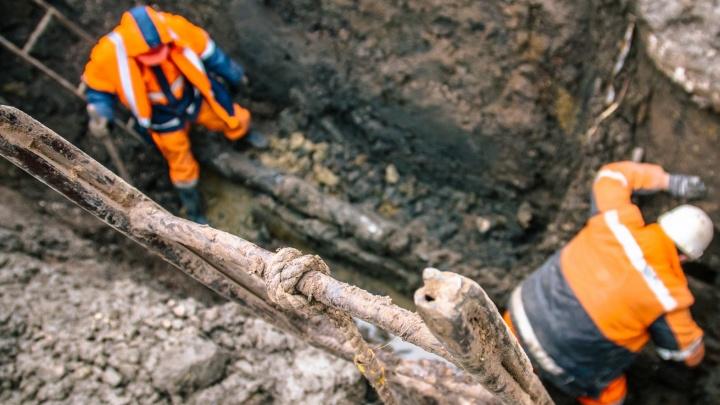 На улице Магистральной ограничили движение из-за ремонта водопровода