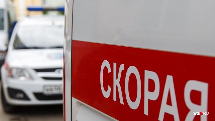 В Волгограде на встречке опытный водитель устроил лобовое ДТП: в больнице три человека